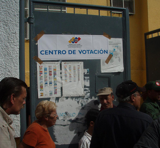 Election day in Venezuela. Photo by Luis Carlos Diaz. (CC BY-NC 2.0)