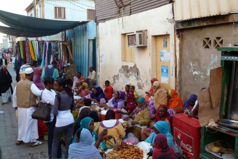 A street market in Djibouti. Photo by Didier DeMars via Picasa (CC BY-NC-SA 2.0)