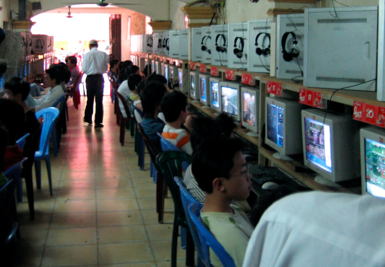 Internet cafe in Vietnam. Photo by Ivan Lian via Flickr (CC BY_NC-ND 2.0)