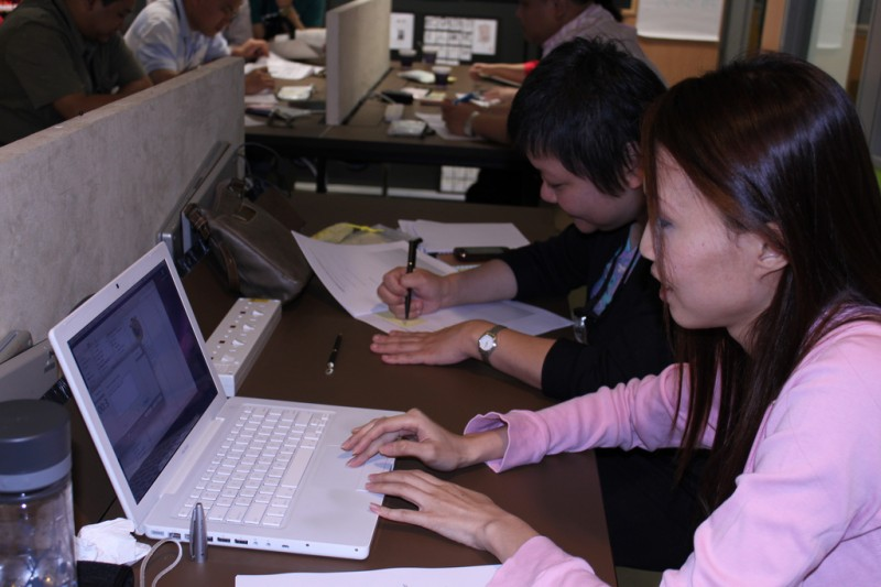A computer training session in Singapore. Flickr photo by ToGa Wanderings (CC License)