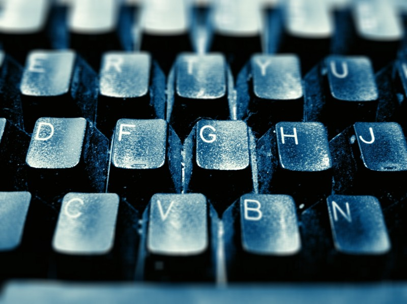 Computer keyboard by Marcie Casas on Flickr. Used under (CC BY 2.0)