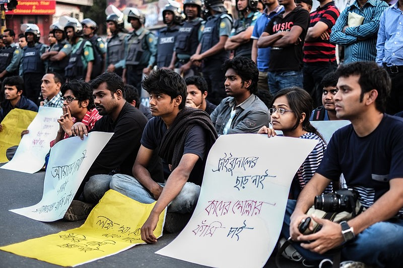Demonstrators call for capital punishment for war criminals in Bangladesh, 2013. Photo by Mehdi Hasan Khan via Wikimedia (CC BY-SA 3.0)